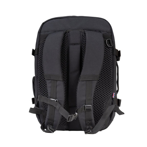 CabinZero Classic Plus 32L (Absolute Black)