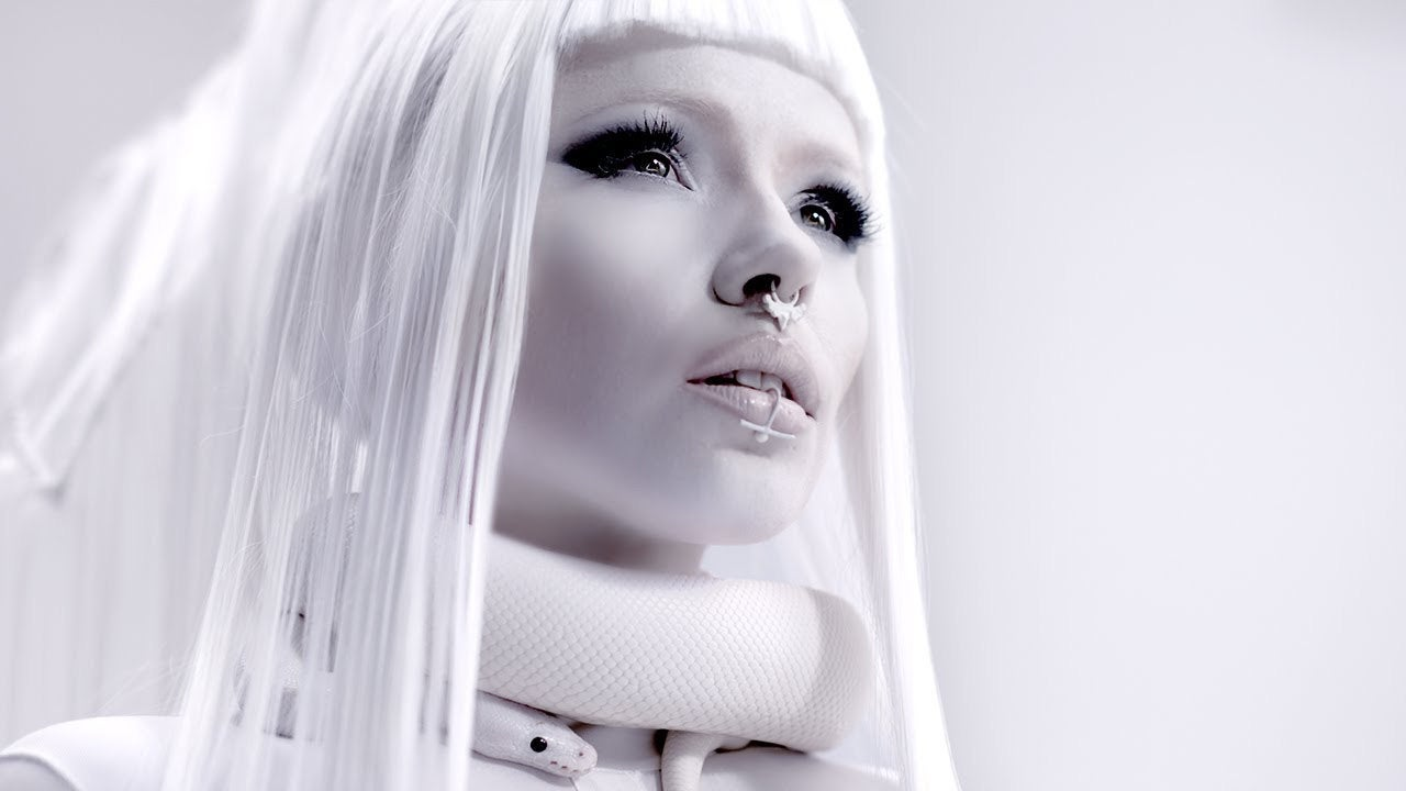 KERLI wears Inchoo in her new video