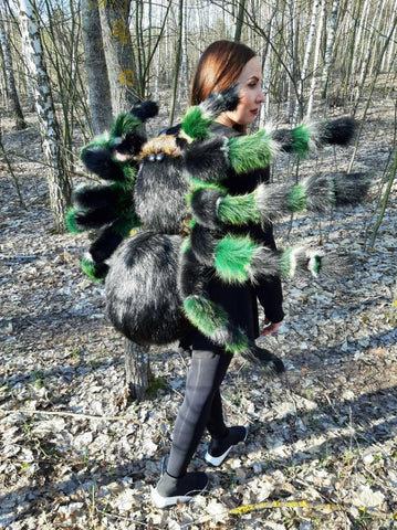 spider costume, huge spider cosplay, decors and props