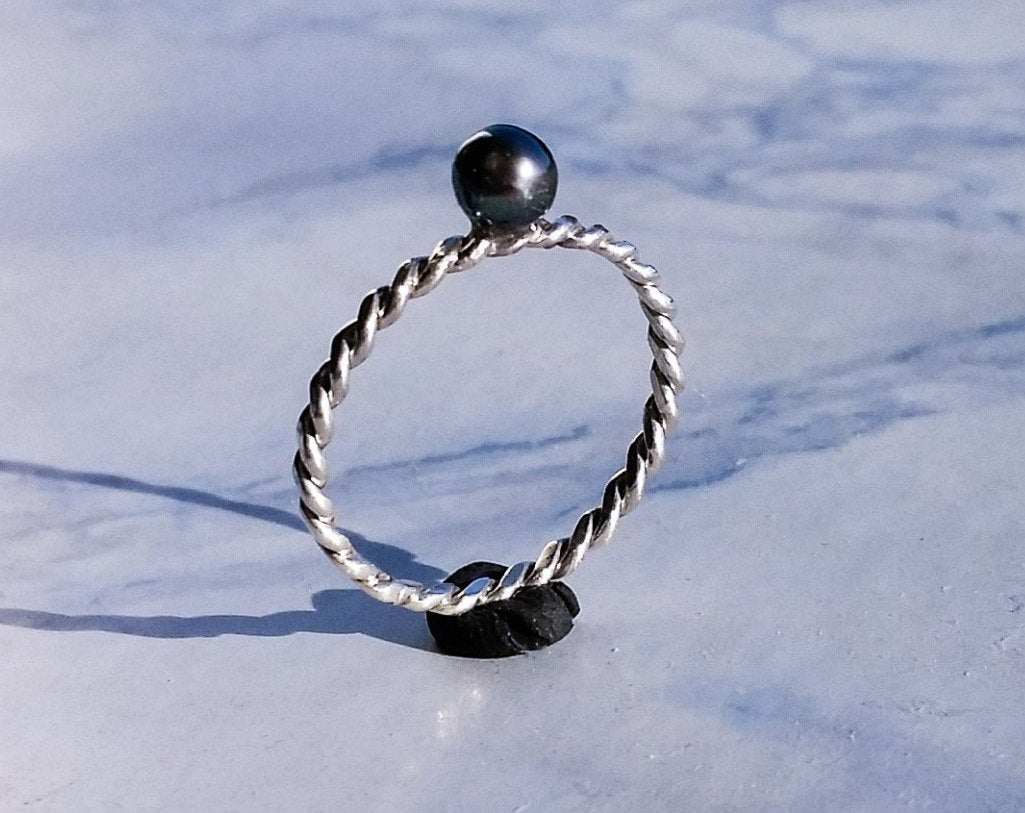 Dark Pearl Twisted Wire Ring - Sterling Silver or 14K White Gold - Inchoo Bijoux