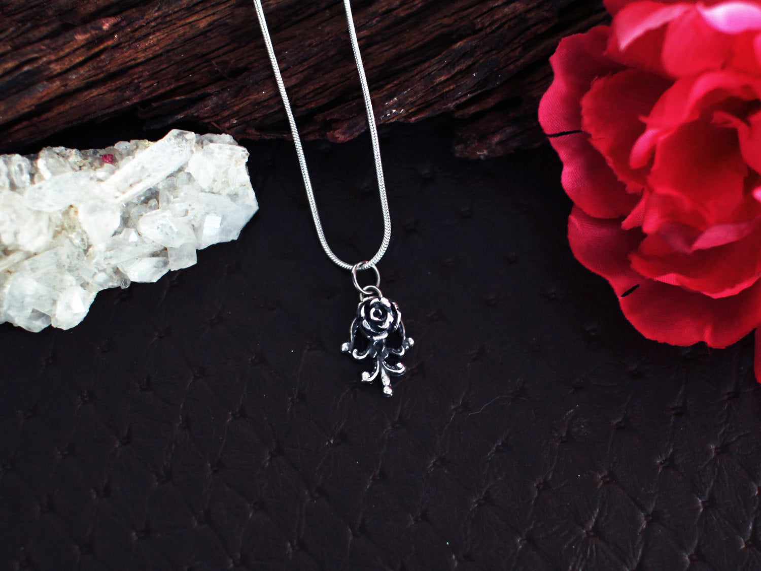 Tiny Silver Rose Pendant - Inchoo Bijoux