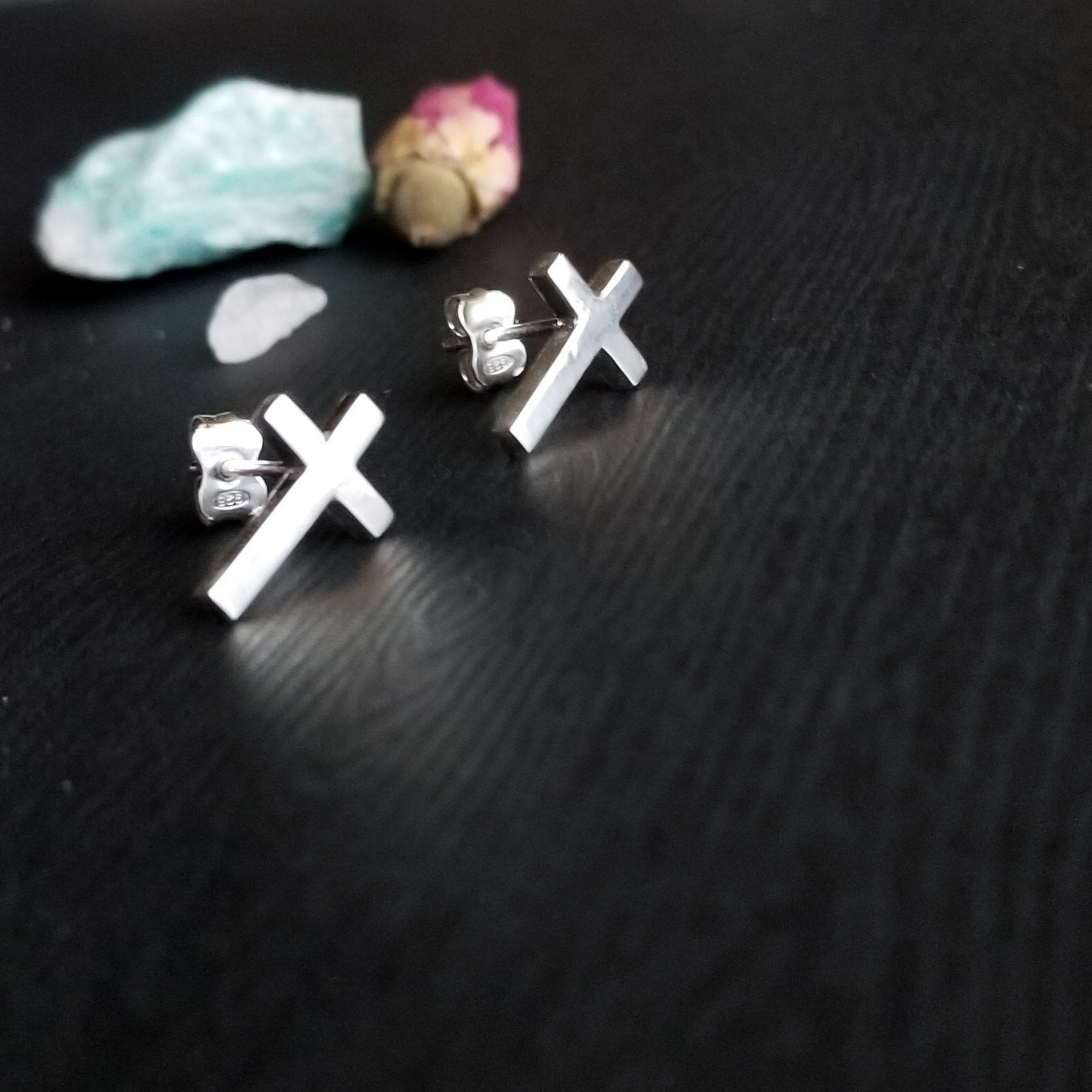 Simple Small Cross Earrings - Inchoo Bijoux