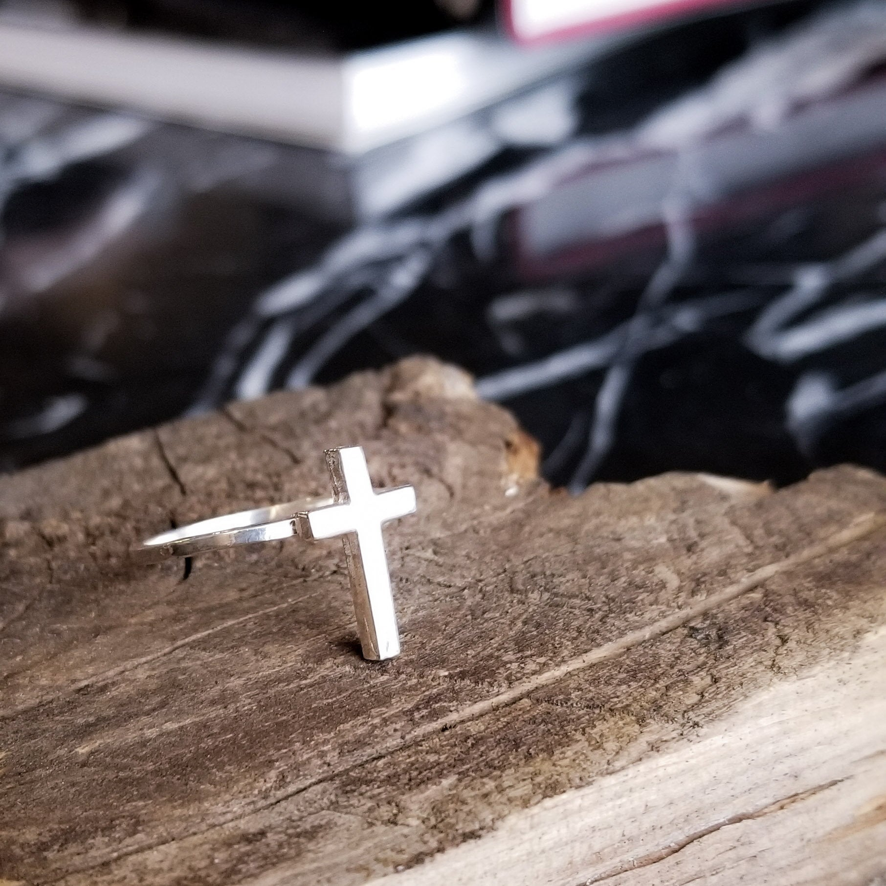 Tiny Silver Cross Ring - Inchoo Bijoux