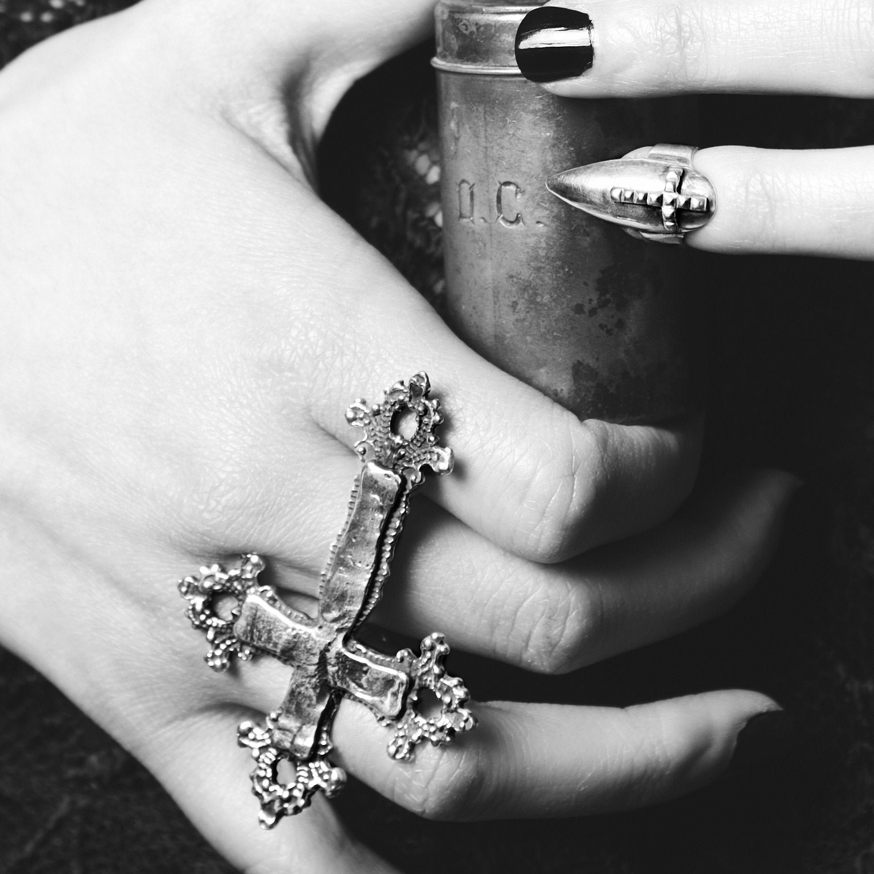 Big Baroque Cross 2 Finger Ring - Inchoo Bijoux