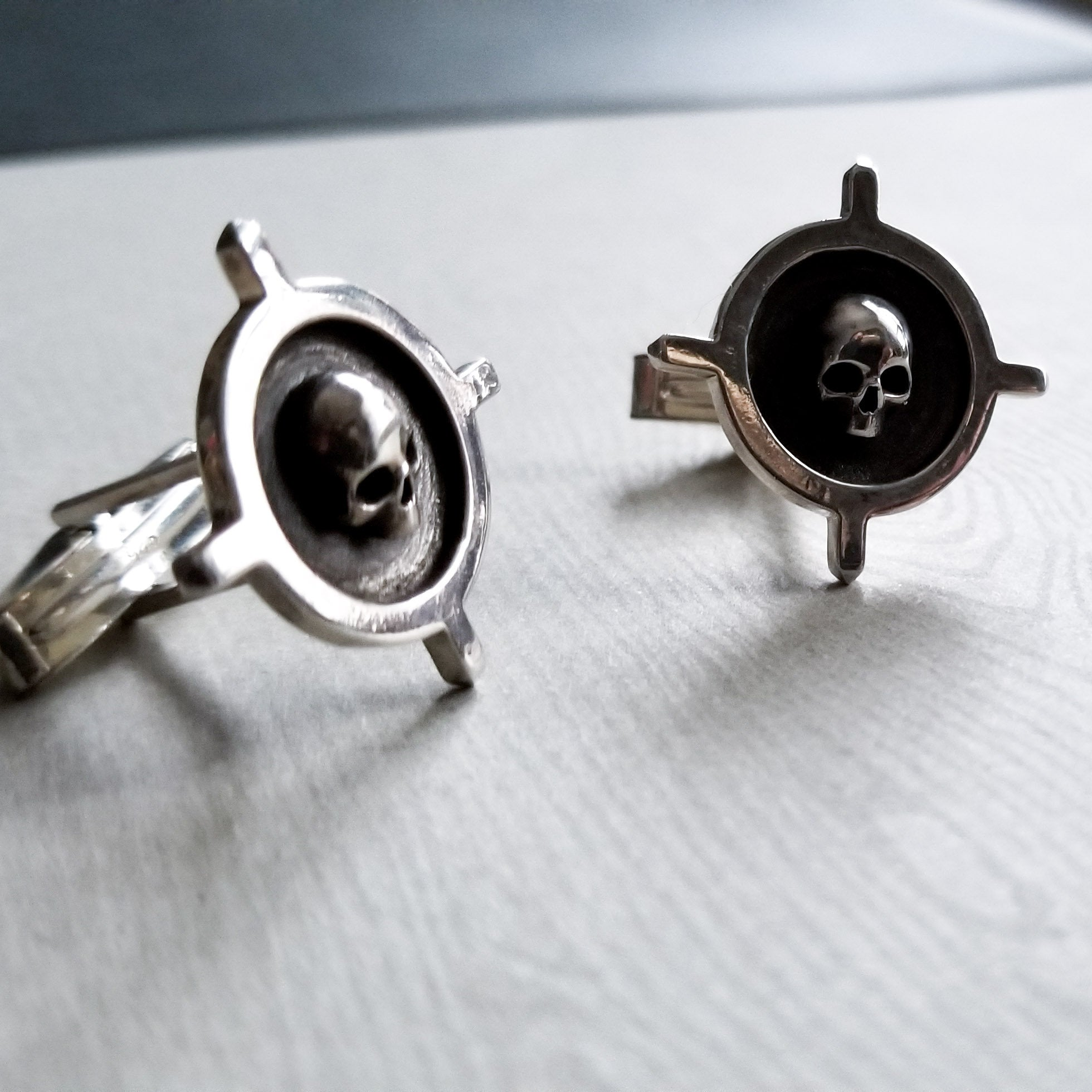 Silver Skull Cross Cufflinks - Inchoo Bijoux
