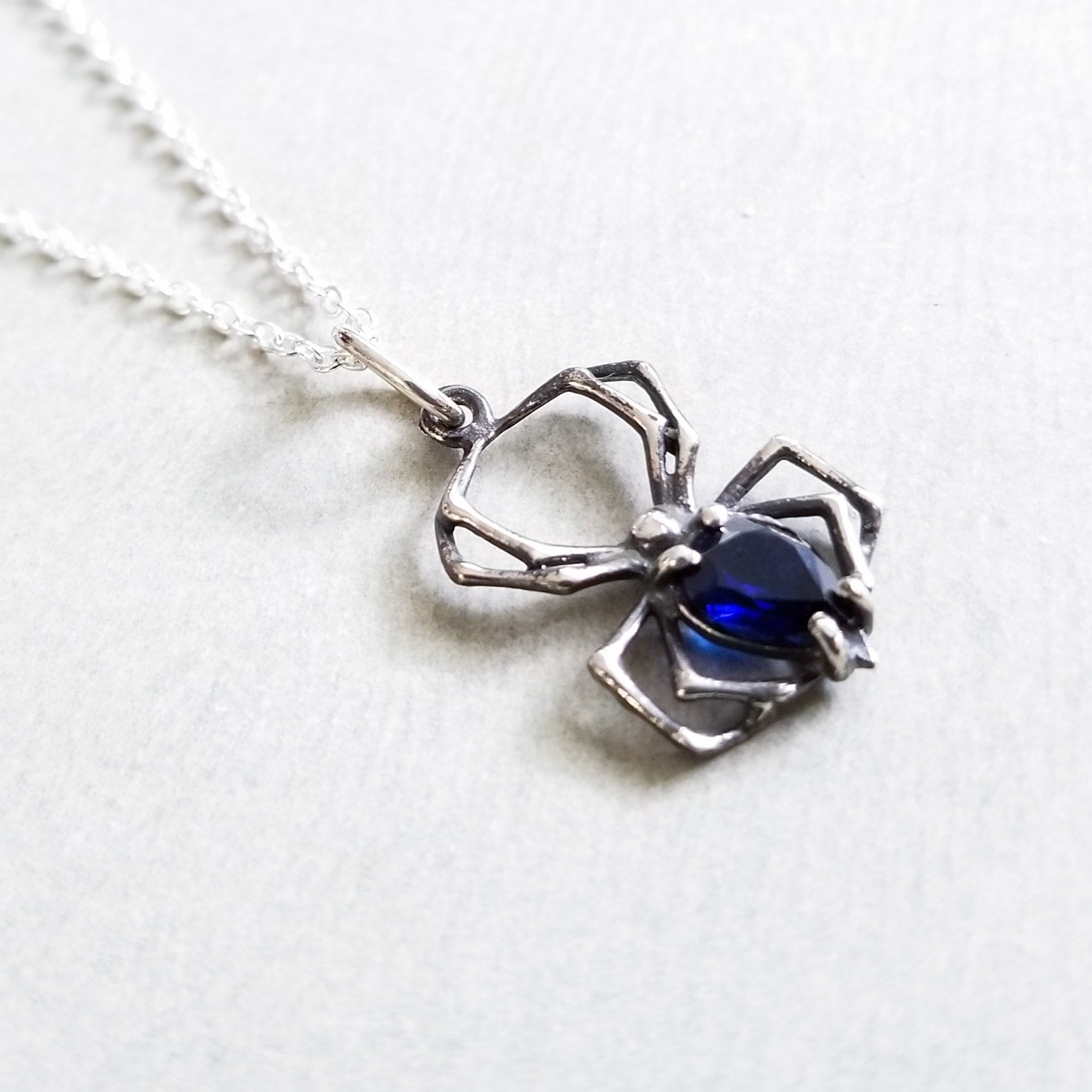 Deep Blue Spider Widow Pendant - Inchoo Bijoux