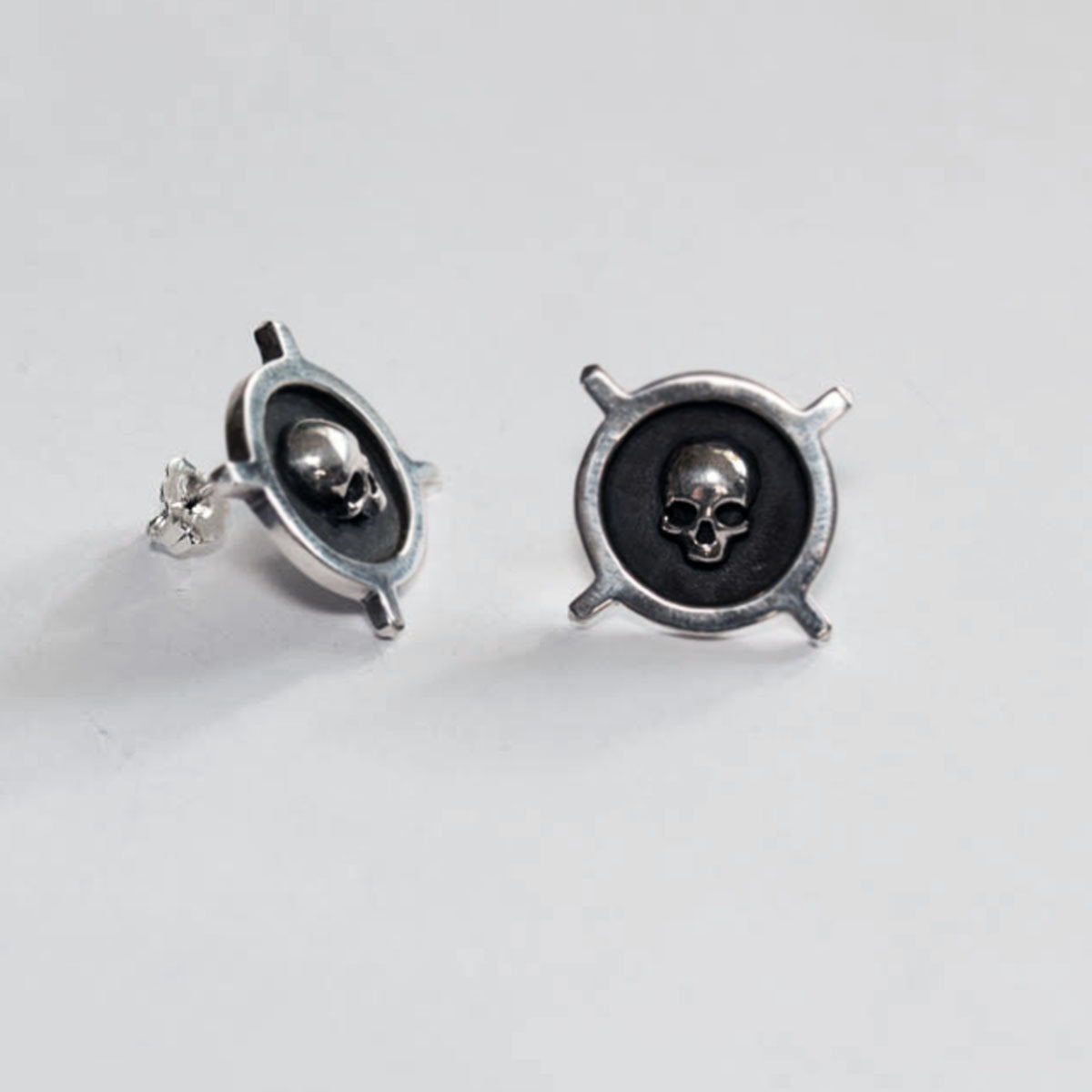 Unisex Skull Crossbone Stud Post Earrings - Inchoo Bijoux