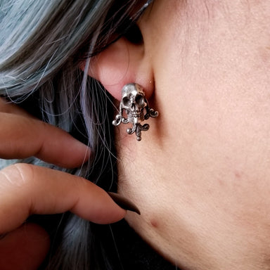 Unisex Victorian Skull and Lace Earrings - Inchoo Bijoux