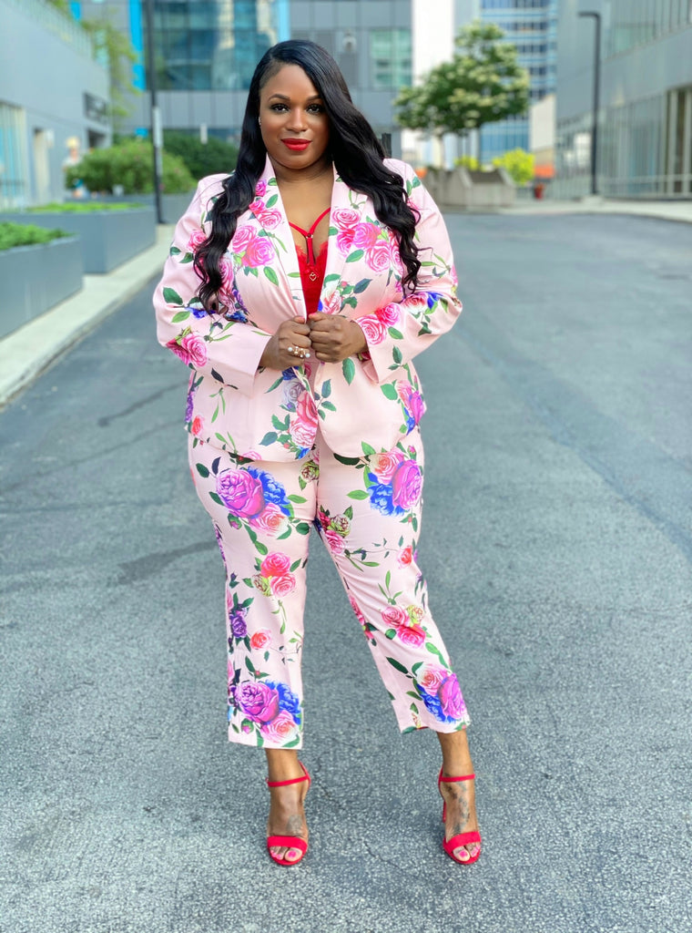 Can Plus Size Women Wear Floral Prints?