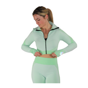 Look as good as you feel in our long sleeve seamless crop top. Designed to be flexible, breathable and lightweight, this lounge-worthy material takes you from studio sessions to Sunday strolls. Pair with our matching seamless leggings to complete your set or mix and match to fit your personal style. Fit to sit right under your bosom and highlight your waistline