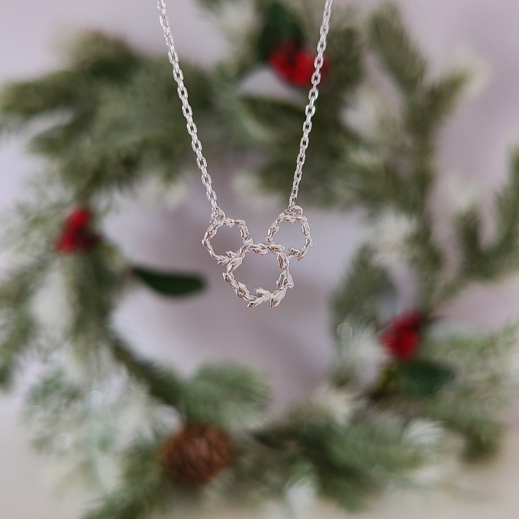 Ears of Holly Necklace