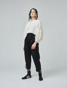 Shelay, cropped top with full sleeves