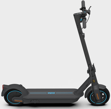 Laden Sie das Bild in den Galerie-Viewer, Ninebot KickScooter MAX G30D Powered by Segway