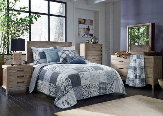 Silver Branch Queen Quilt Bedding