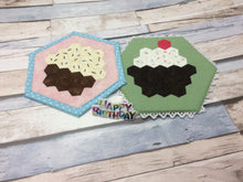 Load image into Gallery viewer, Monthly Mini Make April 2020 - Cupcake Mug Rug Digital EPP Pattern