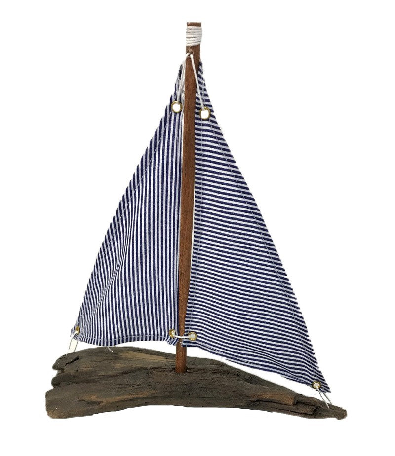 sailboat - on driftwood - blue/white - 26cm