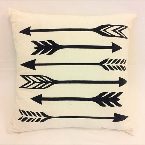 cushion - 6 arrows - black on white -  40x40 - complete