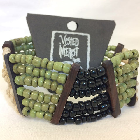 bracelet - 6 line bead/slanted wood divide - green/cream/black