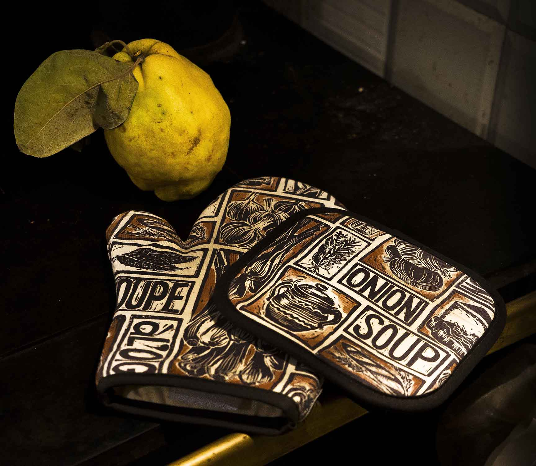 Berndt Unger Photography Kate Guy Prints Onion soup oven gloves