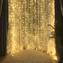 Load image into Gallery viewer, Battery Powered Curtain Fairy Light