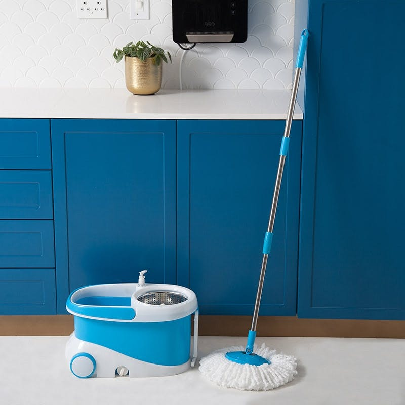 HomeFx Premium Rotating 360 Spin Mop and Bucket | Monthly Madness