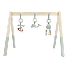 Laden Sie das Bild in den Galerie-Viewer, LITTLE DUTCH Babygym Spieltrapez aus Holz Ocean Line