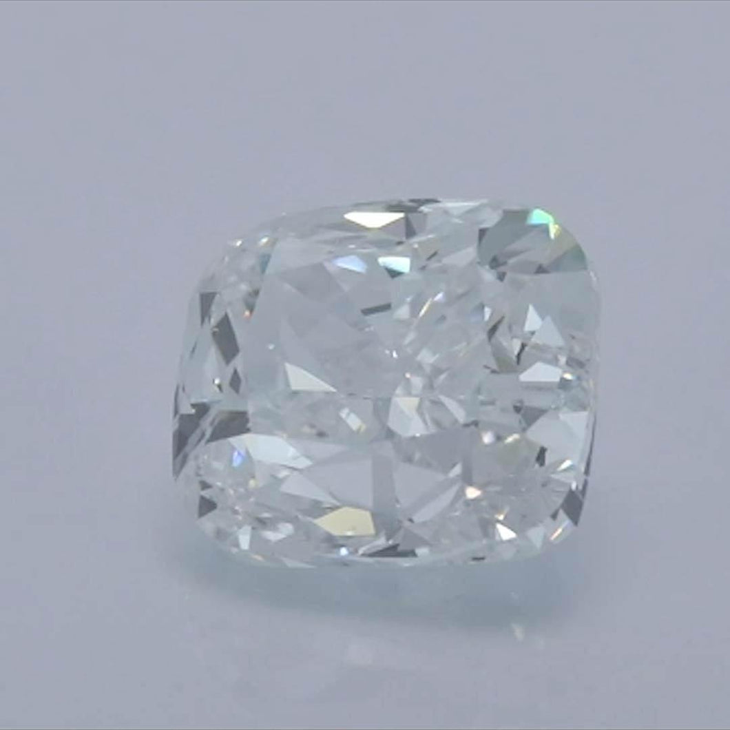 Cushion Diamond<br>Carat Weight: 0.9