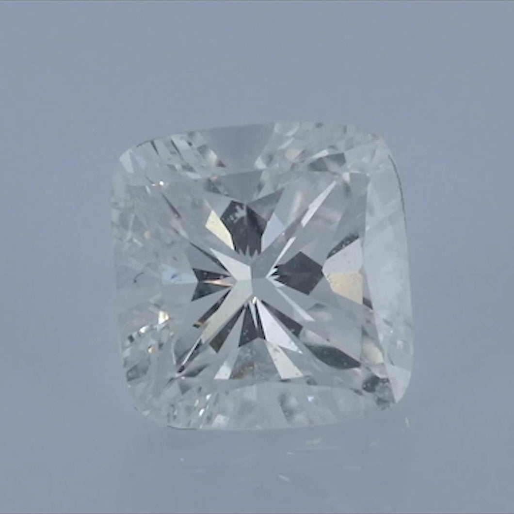 Cushion Diamond<br>Carat Weight: 0.95