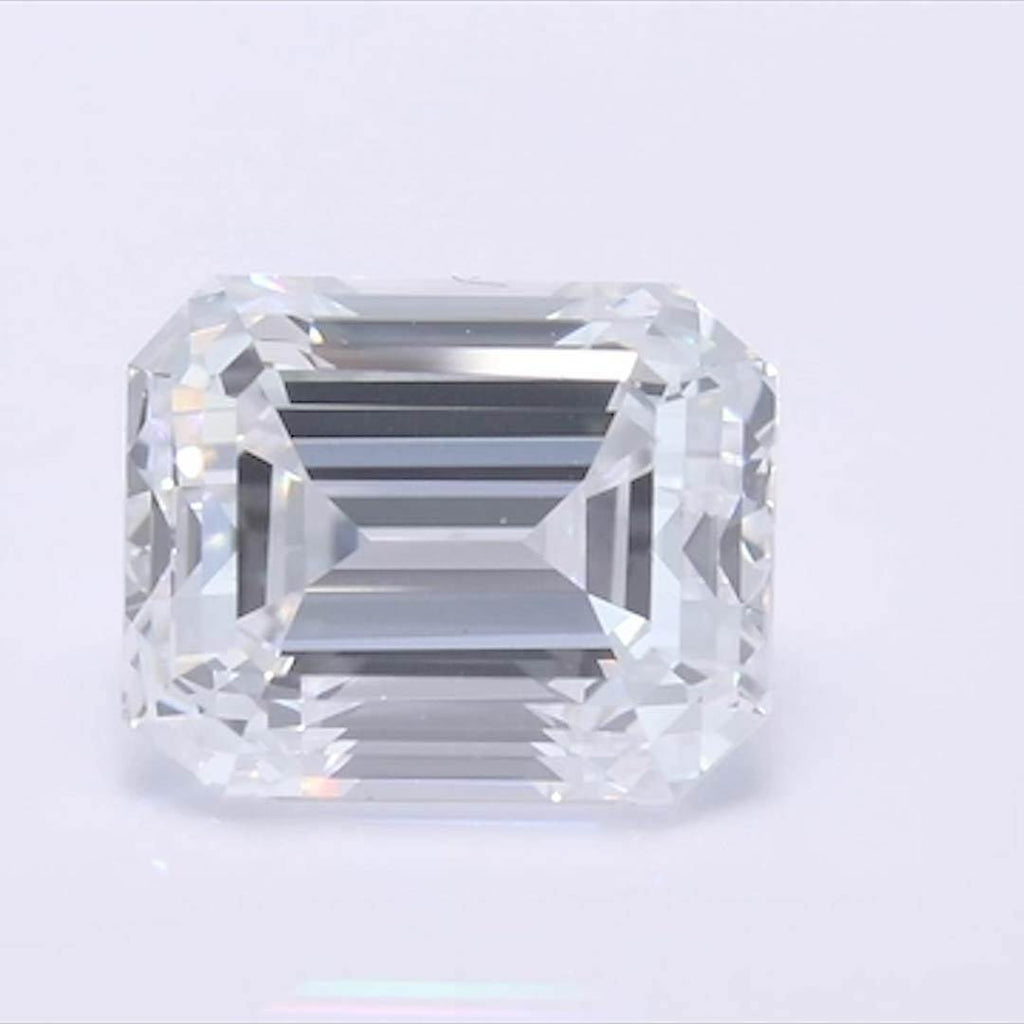 Emerald Diamond - Carat Weight: 1.03