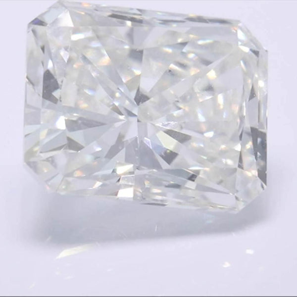 Radiant Diamond - Carat Weight: 3.04