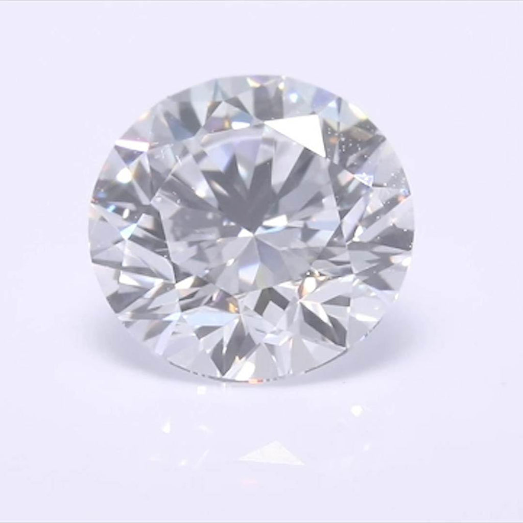 Round Diamond - Carat Weight: 0.7