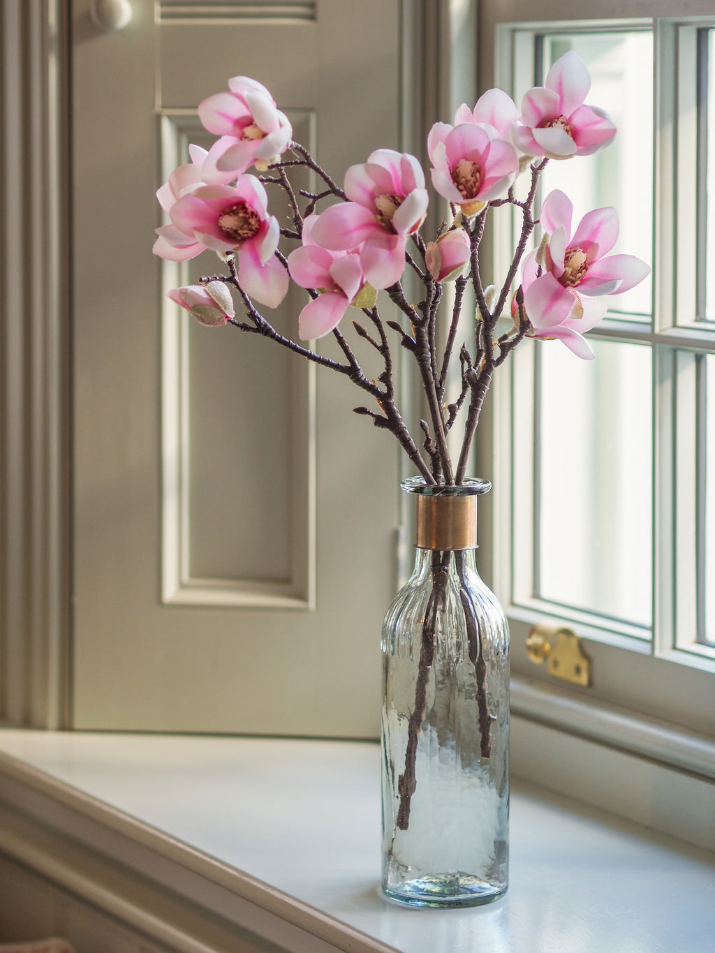 Simply Magnolia ( Blush ) With Vase