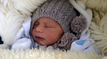 7 Tips For Dressing Newborns During Winter