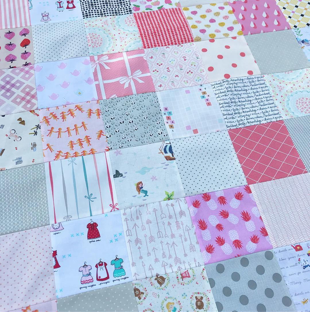 Simple patchwork baby quilt by Holly Lesue / Maker Valley