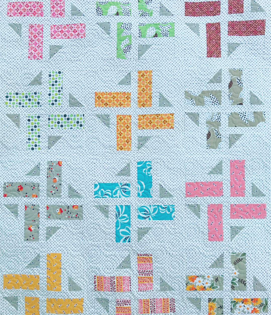 Division quilt by Maker Valley. Quilt pattern by A Bright Corner (aka Andy Knowlton)