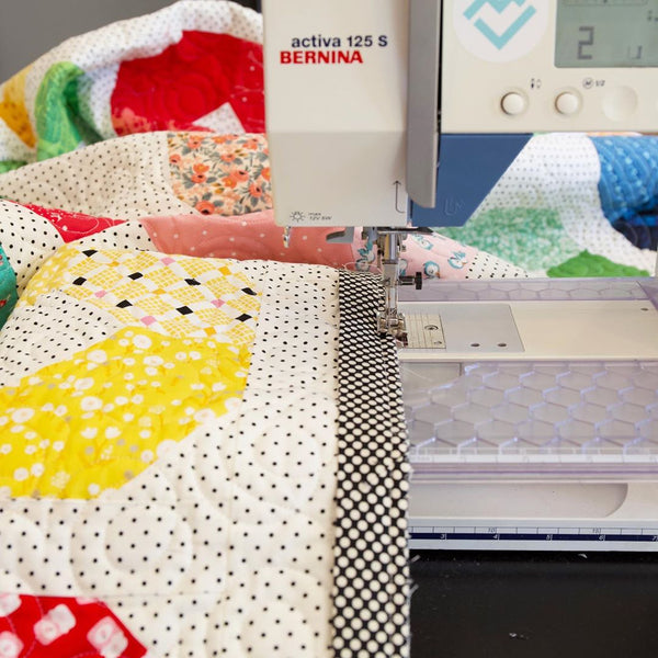 Binding a quilt using a Bernina 125 sewing machine - Maker Valley