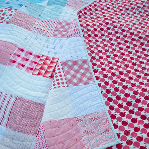 yankee-doodle-dandy-quilt-close-up-maker-valley