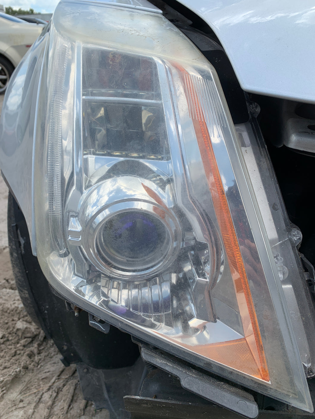 08 09 10 11 12 13 14 CADILLAC CTS Right Passenger Headlamp Assembly HID Headlight