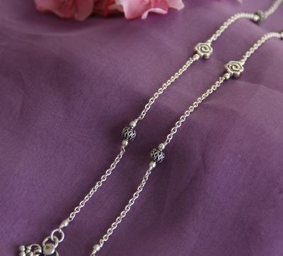 Flower And Silver Bead Anklet - By Unniyarcha - Original Manufacturers of Silver Jewelry, Gold Plated Jewellery, Fashion Jewellery and Personalized Soul Bands and Personalized Jewelry