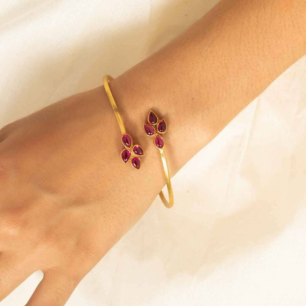 Silver Gold Plated Pink Pota bangle - By Unniyarcha - Original Manufacturers of Silver Jewelry, Gold Plated Jewellery, Fashion Jewellery and Personalized Soul Bands and Personalized Jewelry