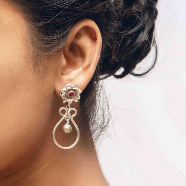 Silver Rose Earring - By Unniyarcha - Original Manufacturers of Silver Jewelry, Gold Plated Jewellery, Fashion Jewellery and Personalized Soul Bands and Personalized Jewelry