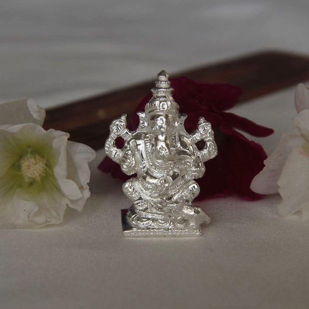 Silver Solid Ganesha Idol Silver Article - By Unniyarcha - Original Manufacturers of Silver Jewelry, Gold Plated Jewellery, Fashion Jewellery and Personalized Soul Bands and Personalized Jewelry