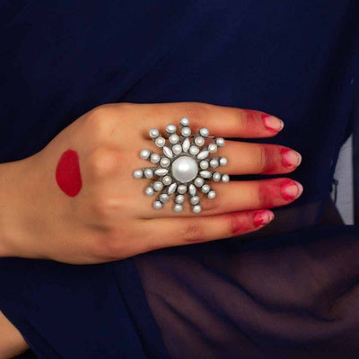 Silver White Flower Ring - By Unniyarcha - Original Manufacturers of Silver Jewelry, Gold Plated Jewellery, Fashion Jewellery and Personalized Soul Bands and Personalized Jewelry