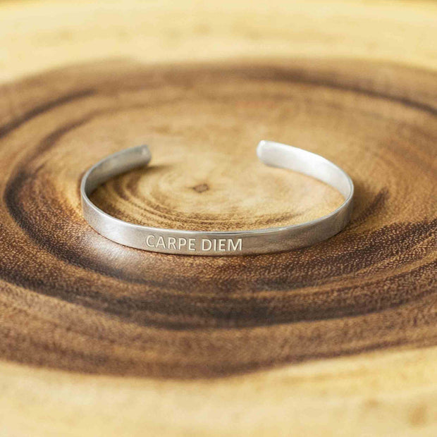 Soul Bands - Carpe Diem - By Unniyarcha - Original Manufacturers of Silver Jewelry, Gold Plated Jewellery, Fashion Jewellery and Personalized Soul Bands and Personalized Jewelry