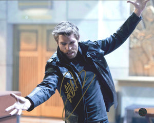 Liam McIntyre Signed The Flash Photo