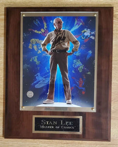 "Stan Lee Signed "" Master Of Comics"" Plaque"