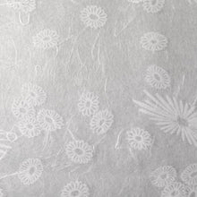 Load image into Gallery viewer, Mum White Tissue - Seidenpapier Chrysantheme