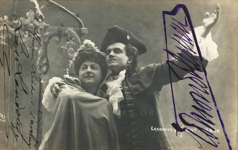 """French soprano Lise Landouzy (1861-1943) and French tenor Edmond Clément (1867-1928) in """"Manon"""""""