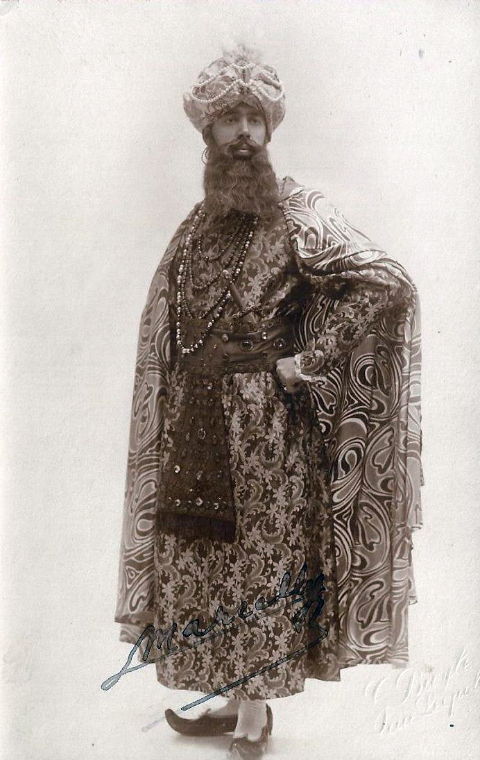"""Maurice Marcelly (1889-1924) as the Sultan (""""Mârouf, savetier du Caire"""")"""