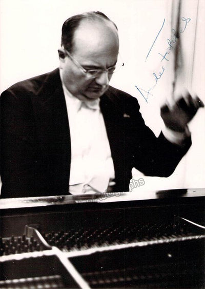 Foldes, Andor - Signed Photo in Performance
